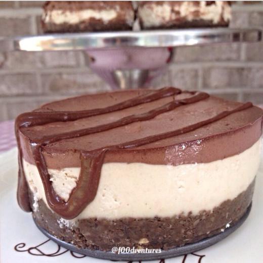 chocolate and cashew cream cheesecake1