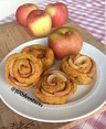 apple rose cinnamon rolls